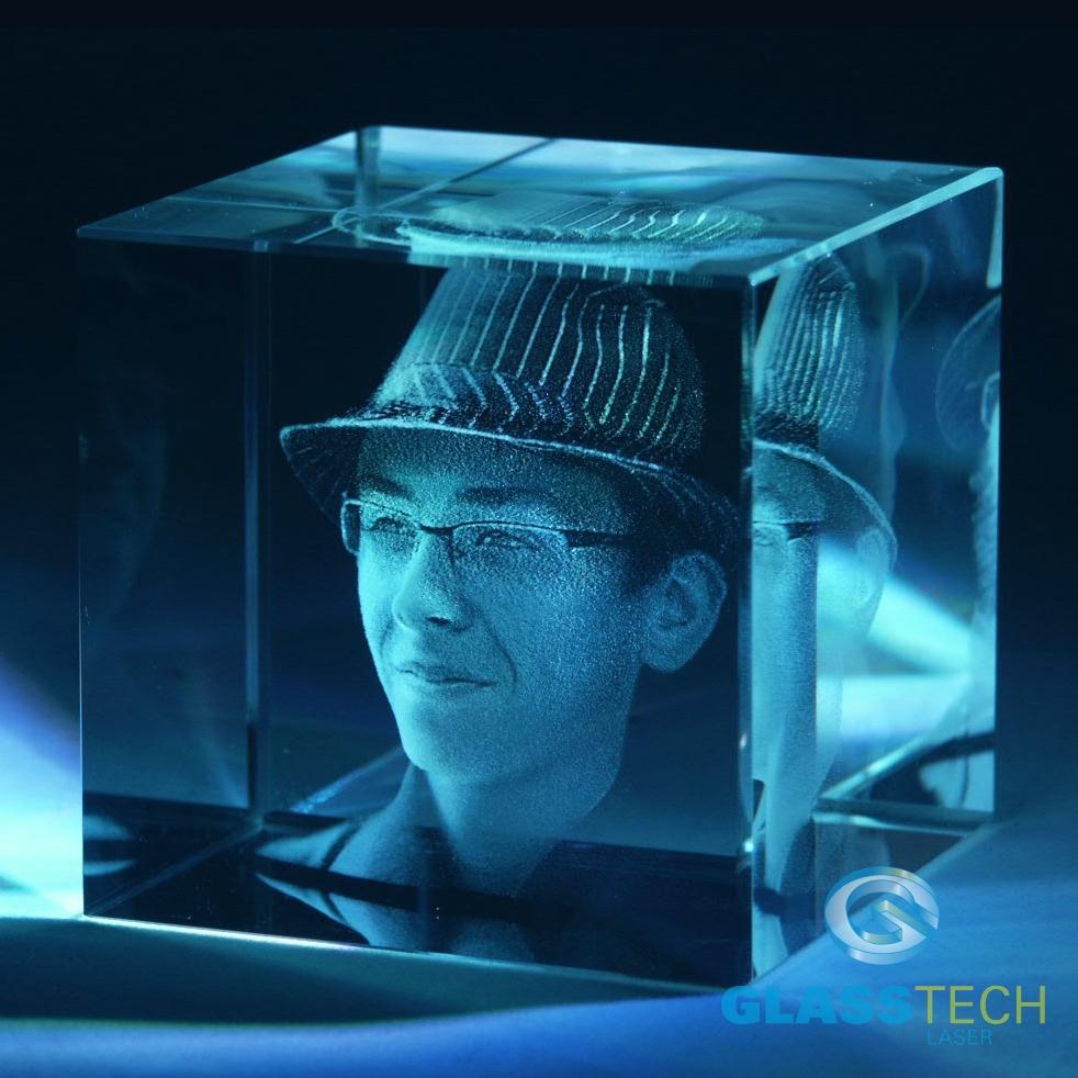 b8d513cb2 VAŠE 3D FOTO V KRYCHLI 50mm (jedna osoba, hlava a ramena)   GLASS ...